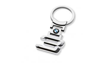 Kľúčenka s číslom rady 3 a logom BMW